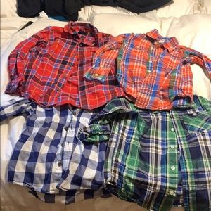 4 boys button down dress shirts in XS (4).